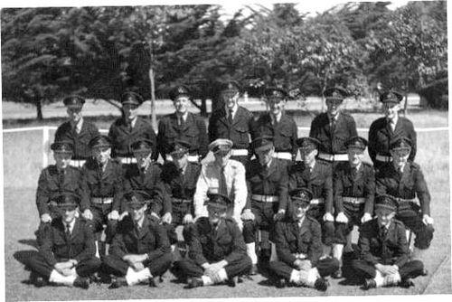 NO_5_NSTU_RAAF_Laverton_3_Sect_July_Nov_1954.jpg