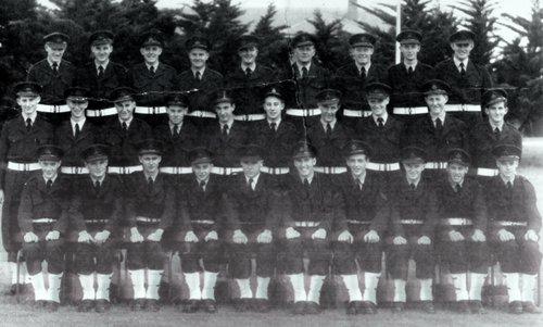 N0_5_NSTB_RAAF_16_Intake_Flight_NO_1_Squadron_Laverton_1956.TIF