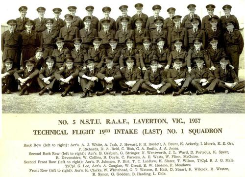 No_5_NSTU_RAAF_LAV_1957_19th_No_1_Squadron_Mystic.jpg