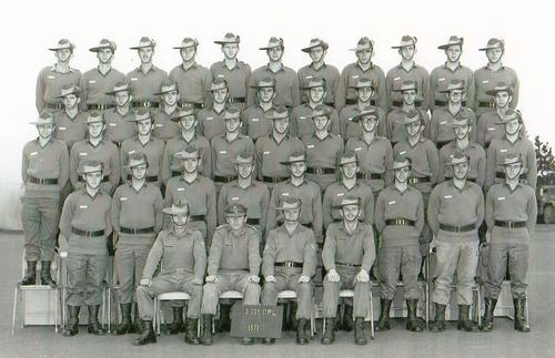 2_RTB_D_Coy_17_Platoon_2nd_Intake_1971_Pucka.JPG